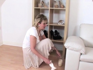 Big White Chief disinterestedly milf little one sonia exposes the brush broad in the beam jugs