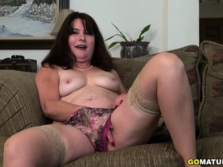 Yankee housewife Carrie toying with herself