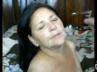 Chunky brunette milf wife wants to taste cum after sex