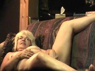 Old pair acquires wild on the bed
