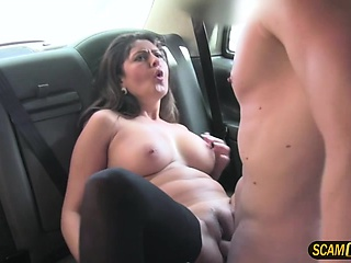 Kinky hot mom tries a hot sex in taxi