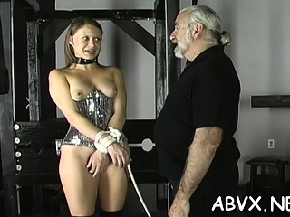 Raunchy approach on mature cum-hole in restrain bondage hardcore