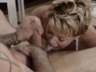 Milf comes diggings be advantageous to hot suprise