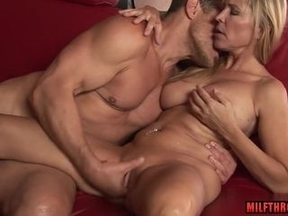 Super-naughty mom Spends Time With youthfull paramour