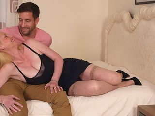 Supah scorching british housewife likes her toyboy