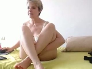 Pale skinned mom rubbing and fingering her pussy sensually