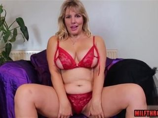 Smoothly-shaven twat cougar bang-out with jizz flow