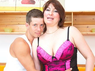 Nuaghty housewife fuckin' her younger lover