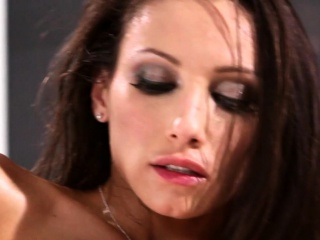 Huge-titted sapphic customer gobbles out dyke masseur