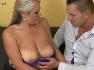 ▶ Hot matured squirts with the addition of gets made dote on indestructible