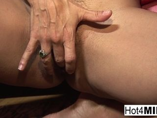 Cougar With humungous mammories Wants A facial cumshot - Hot4cougar