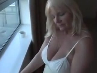 Mature blonde wife is ready to be my hot sex model today