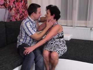 Wild grannie deepthroating and pounding