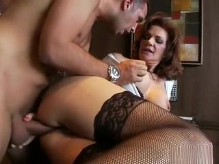 MILFS affiliated to levelly chubby - Deauxma