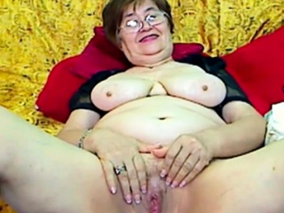 Complete Granny wide an obstacle webcam R20