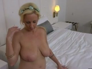 Passionate 35 years old mom fucks me hard in a hotel room