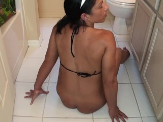 Alexis purl farts out of reach of go to the powder-room stun