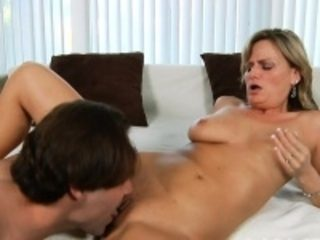 Mama satisfies her starving cum-hole