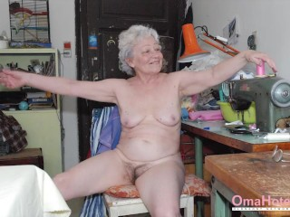 OmawarmeL Compilation of warm images of grandmothers