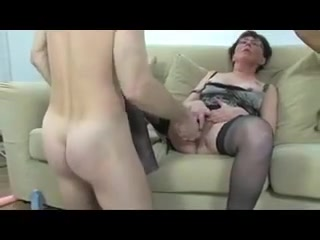 Horny mature fisted and screwed by guy and ebony babe
