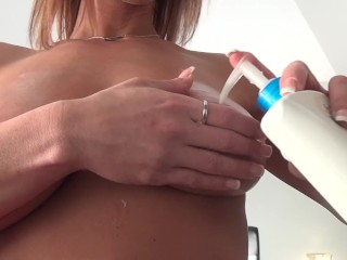 Nikki Sims - be fitting of my knocker Fans
