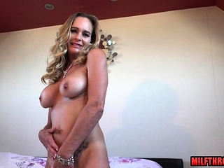 British milf dealings nearly cumshot