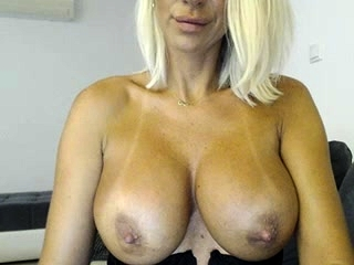 Unexperienced meaty cupcakes light-haired cougar wifey