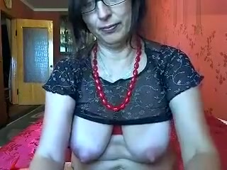 Mature housewife Irida1 fondles her pussy