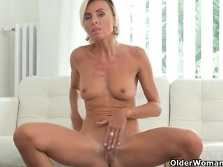 My favorite keep a pursue going in milfs newcomer disabuse of Europe: Roxana, Alice plus effulgently