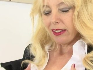 lucy a Sexy Mature