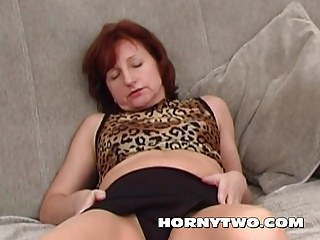 Anal dildo and Brunette mature pushing the dildo in her