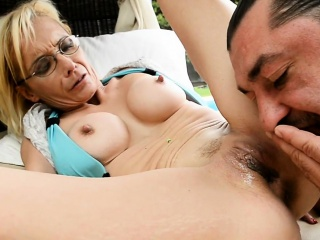 Spex gilf anally fucked outdoors