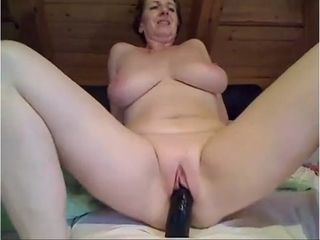 Cougar likes anal invasion have fun