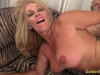 Super-hot to Trot Mature blond Crystal Taylor deep throats spunk-pump and Gets pounded