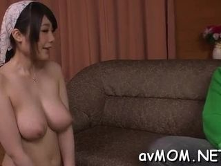 Eyes covered whorish cougar gets creamed