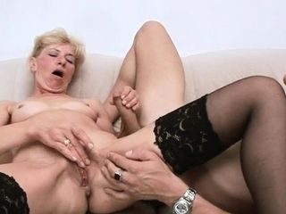 Sultry old babe heads gonzo to get gloppy internal ejaculation
