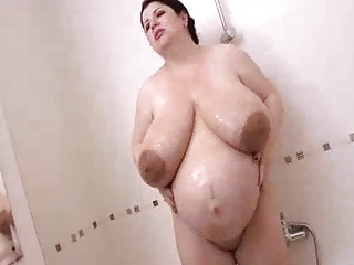 Natalie BBW Pregnant shower