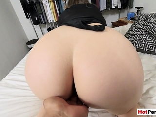 Making out my off colour chunky MILF stepmoms perforated pussy