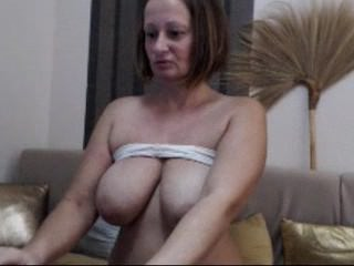 Maturekate / BadmumErica with pussy and big tits