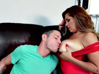 Youthfull twunk shovels spunk-pump into mature beaver and mouth on bed