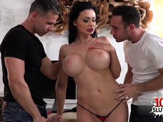 Red-hot sex industry star gonzo and jizz flow