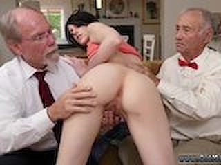 Fuck old mom hd Frankie heads down the