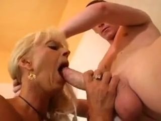 MILF is an nuisance Licker